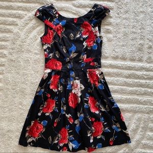 Review Dress - black & red roses